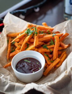 french-fries-with-dipping-sauce