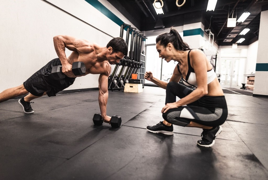 Fitness trainers using oxygen supplementation